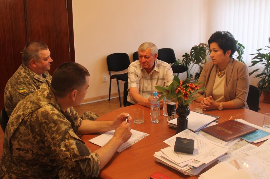 На Виноградівщині обговорили хід шостої хвилі мобілізації