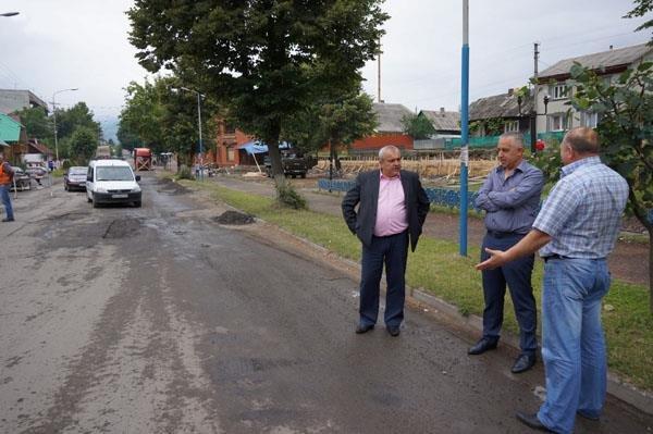 На Тячівщині триває ремонт автомобільних доріг