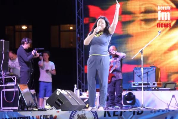 Уродженка Мукачева зганьбилась на концерті у окупованому Криму