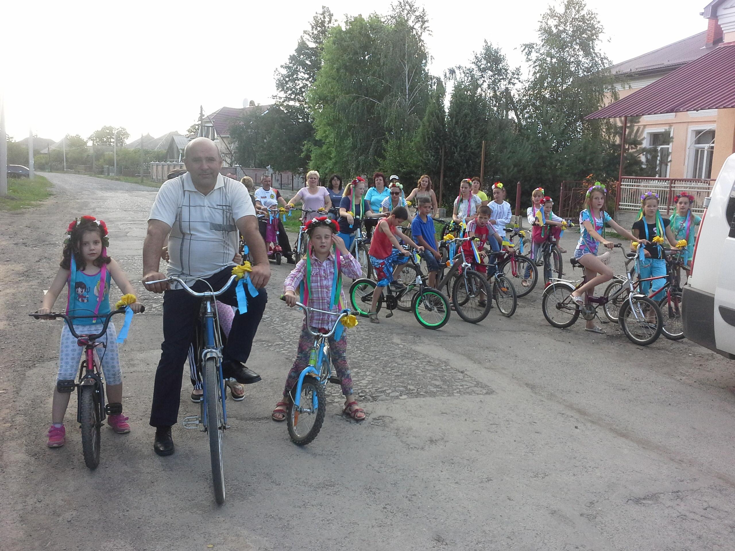До Дня Конституції у Сторожниці відбувся велопробіг