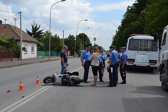 В Ужгороді водій скутера постраждав внаслідок зіткнення з автобусом