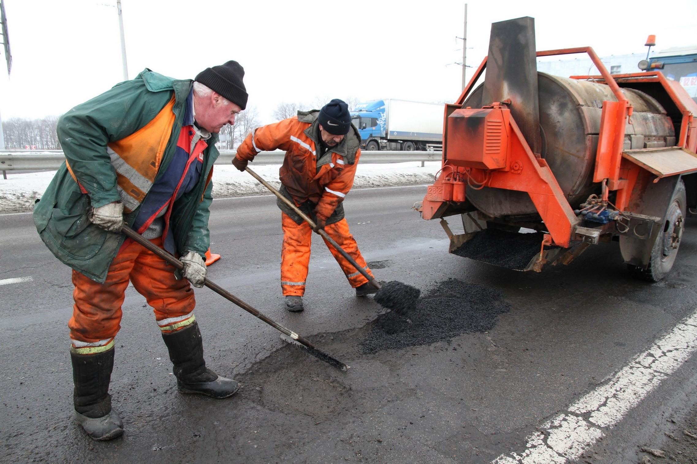 У мікрорайоні Червениця вже місяць не можуть розпочати ремонт вулиць