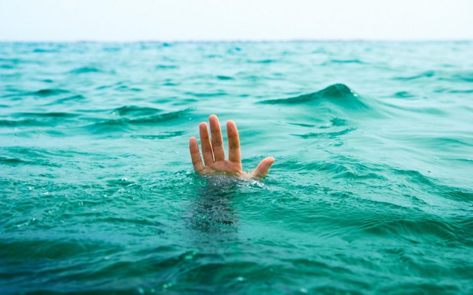 На Мукачівщині під час купання в озері загинув 26-річний чоловік