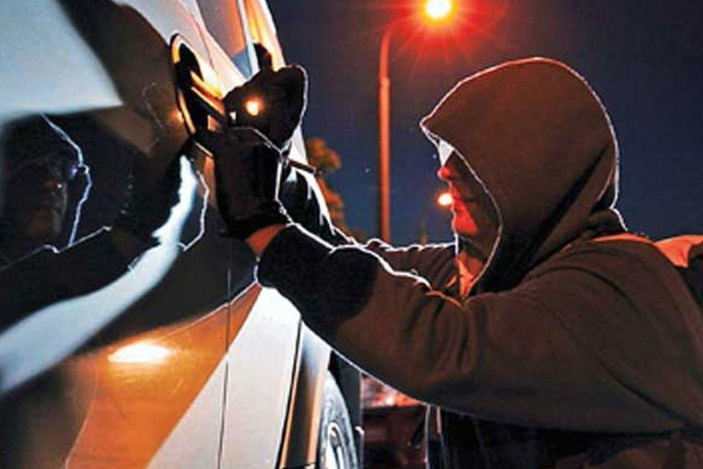 Ужгородець, перебуваючи під дією наркотиків, викрав у знайомого автомобіль