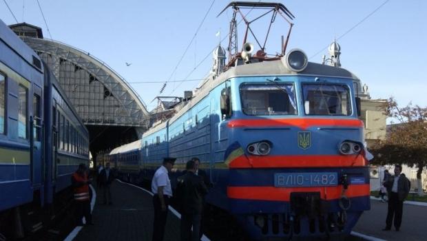 Потяг сполученням Одеса – Ужгород курсуватиме частіше