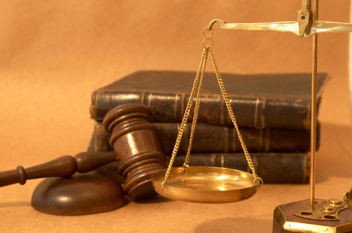 В Ужгороді засудили директора та касира кредитної спілки за привласнення чужих коштів