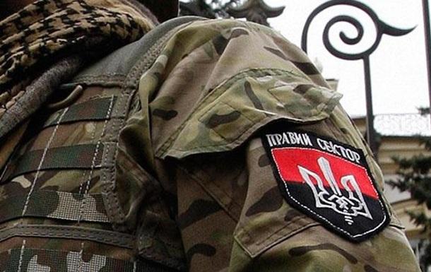"""""""Правий сектор"""" """"готовий відповісти"""" міліції, якщо вона піде у наступ в Мукачеві"""