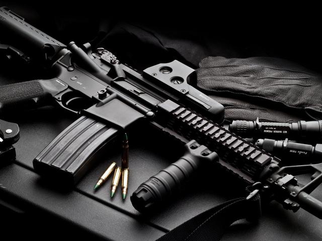 """Оточені у Мукачеві бійці """"Правого сектора"""" отримали від членів організації додатковий боєкомплект"""