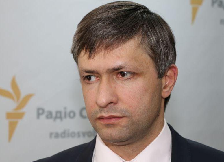 Конфлікт у Мукачеві спровокувало призначення новим керівником Закарпатської митниці колишнього контрабандиста Крутяка – нардеп