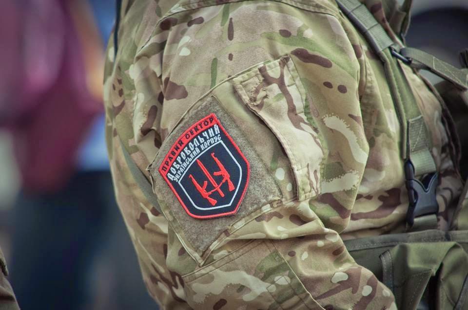 """У Мукачеві ТСК дали гарантії безпеки бійцям """"Правого сектору"""""""