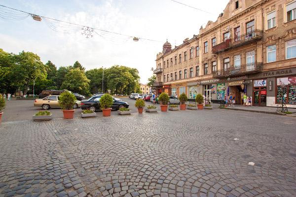 В Ужгороді легалізували нові тераси та ліквідували чотири ЖРЕРи