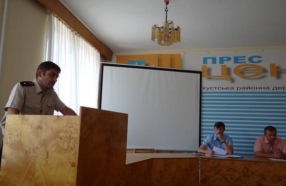 У Хусті обговорювали недоліки та проблеми пожежників міста