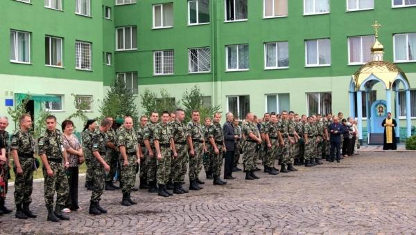 У Мукачеві відбулись урочистості з нагоди демобілізації солдат прикордонної служби