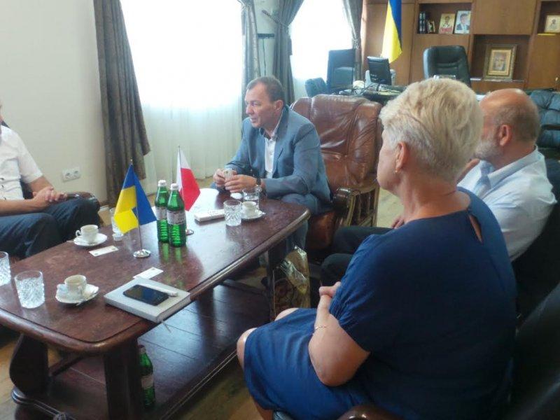 Столиця Польщі прагне посилити співпрацю з Ужгородом