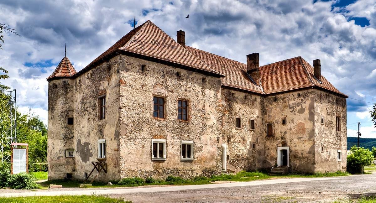 Роботу туристично-інформаційного центру у замку Сент-Міклош обговорили на нараді в Мукачівській РДА