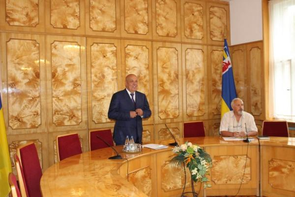 Учора в Закарпатській ОДА обговорювали проблеми національних меншин краю
