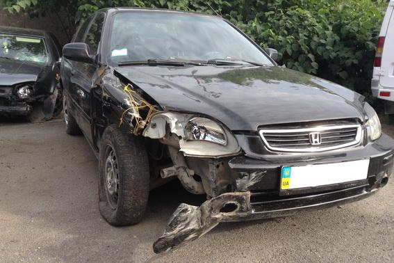 У Великих Лучках 18-річний молодик скоїв на вкраденому автомобілі ДТП