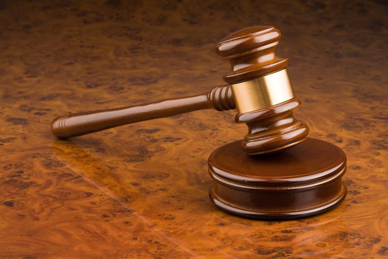 Суд виніс вирок зловмиснику, який завдав чоловікові 20 ударів, зв'язав руки і залишив помирати