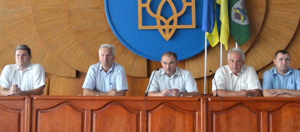 У Тячівській РДА провели нараду з актуальних питань життєдіяльності району