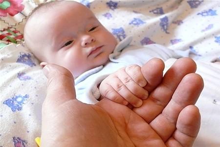Упродовж липня в обласному центрі зареєстровано 144 народження дітей проти 98 смертей