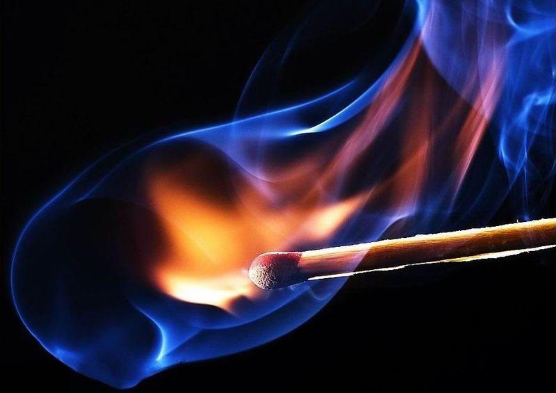 На Хустщині невідомі підпалили навіс із сіном місцевого мешканця