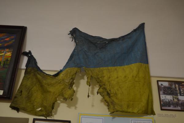 В Ужгороді відкрилась виставка речей з Донецького аеропорту та селища Піски