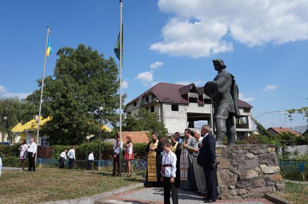 Святкові заходи з нагоди Дня прапора та Дня Незалежності України відбулись у Буштині