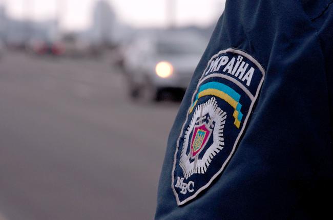 На Ужгородщині агресивна жінка накинулась на правоохоронців