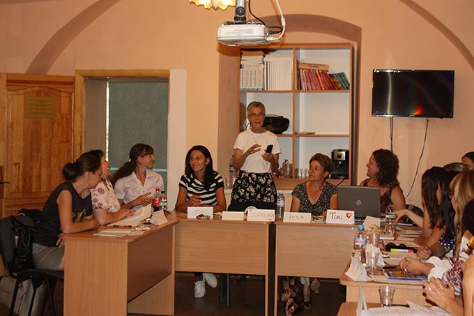 Волонтери Корпусу Миру США працюють у навчальних закладах Закарпаття