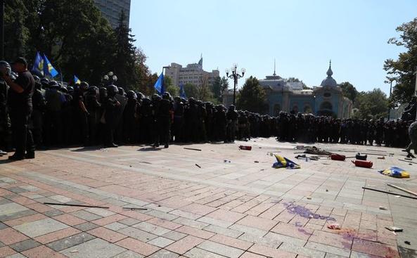 Валерій Пацкан прокоментував події, що стались під стінами Верховної Ради