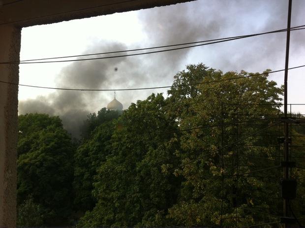 Неподалік православного собору в Ужгороді димить