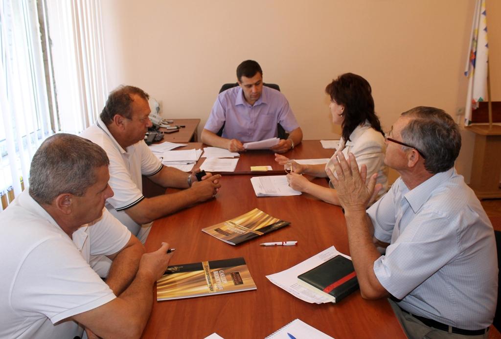 На Виноградівщині зменшено витрати коштів на утримання структурних підрозділів місцевої РДА