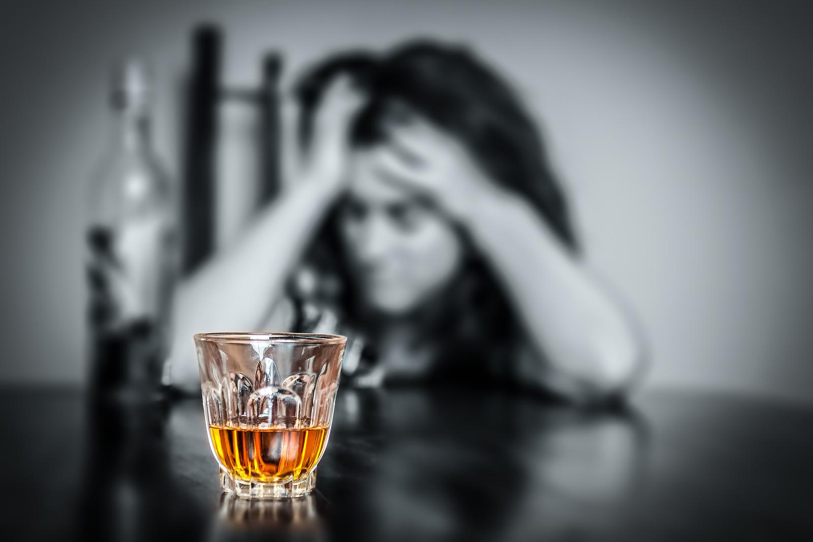 Неповнолітня іршавчанка звернулася в лікарню з симптомами алкогольного отруєння