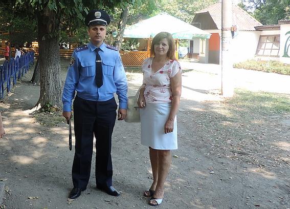 Берегівські правоохоронці у День знань пильнували за школярами, аби ті не пиячили