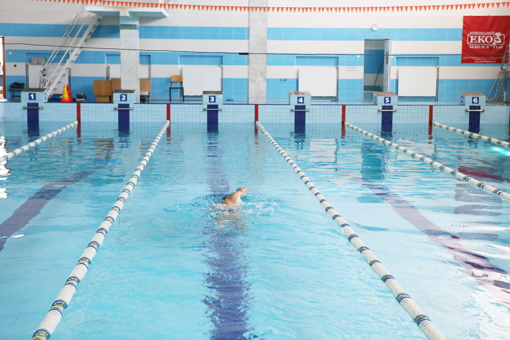 УжНУ запрошує краян відвідати свій басейн