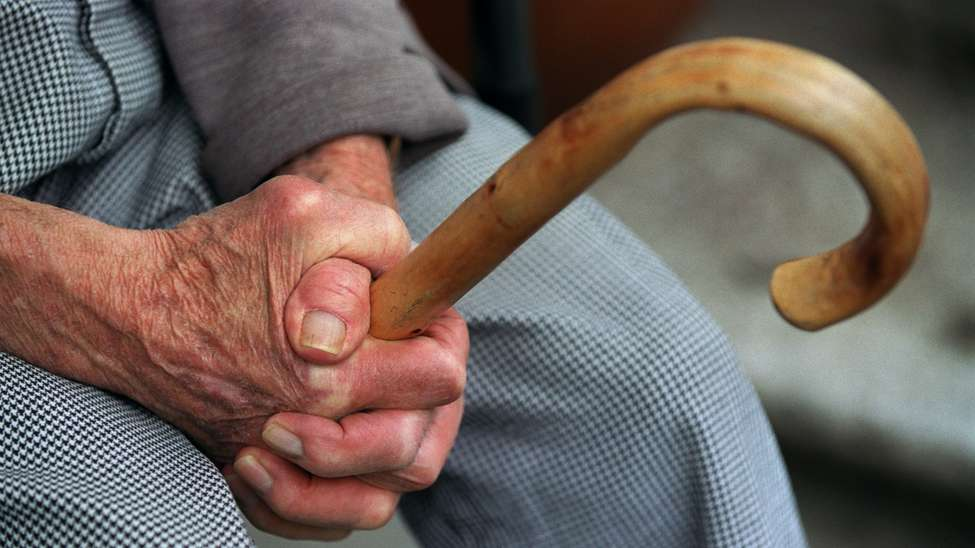 На Закарпатті група злочинців грабувала пенсіонерів