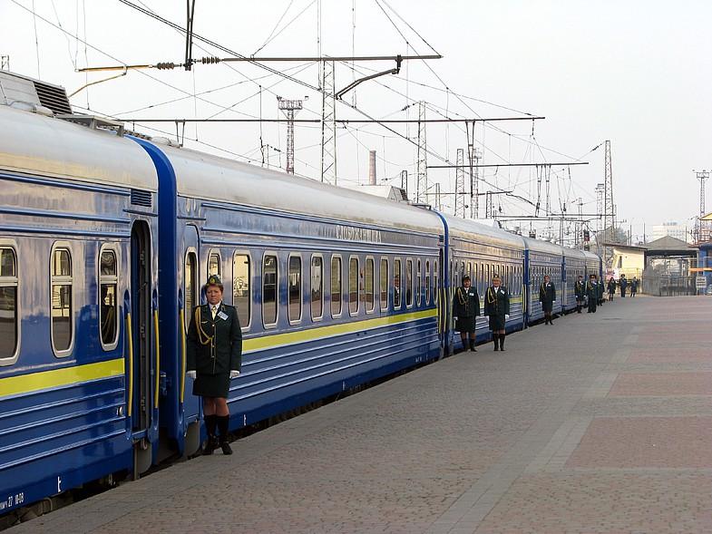"""З 12 вересня курсуватиме новий поїзд """"Харків - Мукачево"""""""