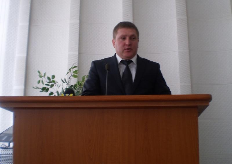 Головою Ужгородської райради обрано представника «Відродження». ЄЦ та КМКС демонстративно не реєструвались