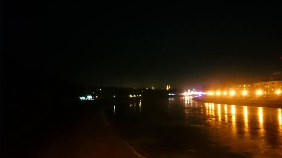 Набережна Незалежності в Ужгороді потонула у цілковитій темряві