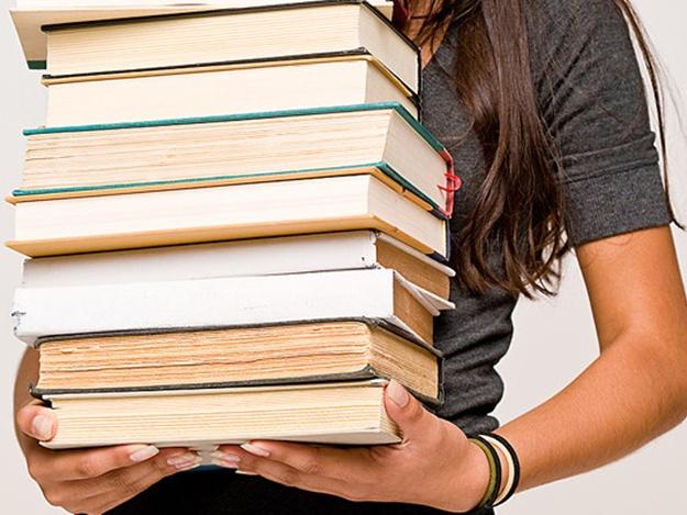 Ужгородські освітяни отримали лише частину потрібних шкільних підручників
