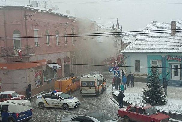 Пожежа на вулиці Возз'єднання у Мукачеві виникла у житловому будинку