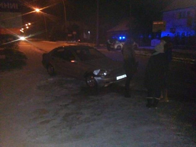В Ужгороді іномарка на чеських номерах врізалась в інший легковик. Винуватець аварії втік