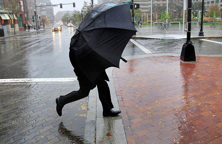 По всій території Закарпаття очікуються сильні дощі та мокрий сніг