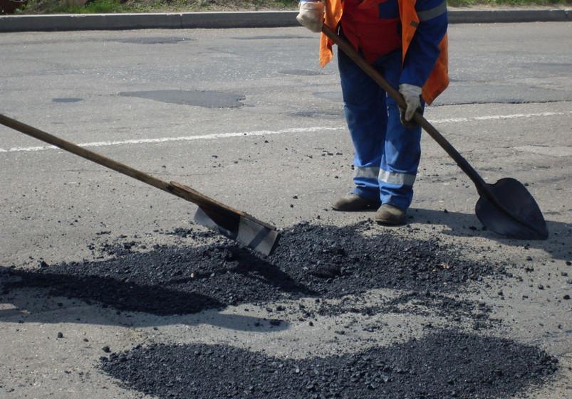 Щоб завершити ремонт ділянки дороги на Виноградівщині потрібно ще 22 мільйони гривень