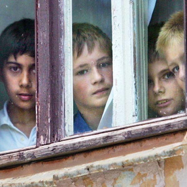 На Воловеччині троє дітей залишились без опіки батьків