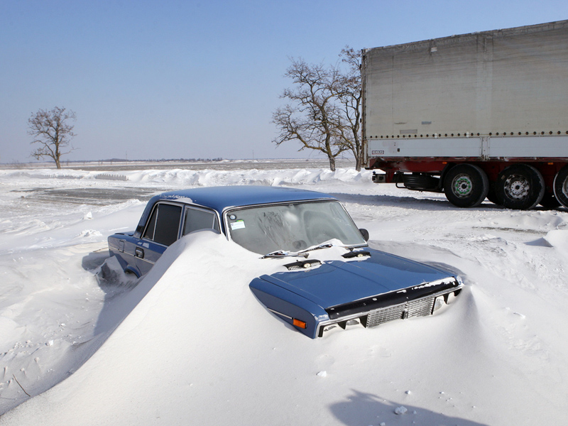 На Закарпатті рятувальники евакуювали зі снігових заметів 9-ох осіб