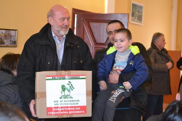 Угорці розпочали збір коштів для допомоги жителям Закарпаття
