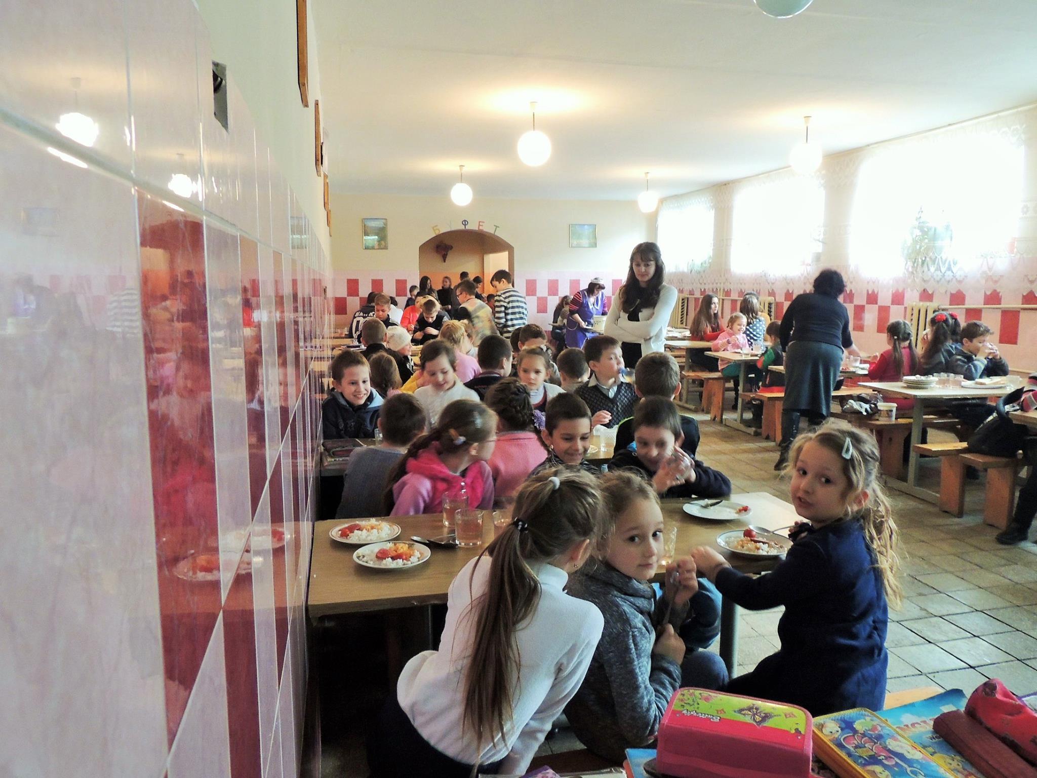 Берегово знайшло вихід із забезпеченням харчування дітей 1-4 класів