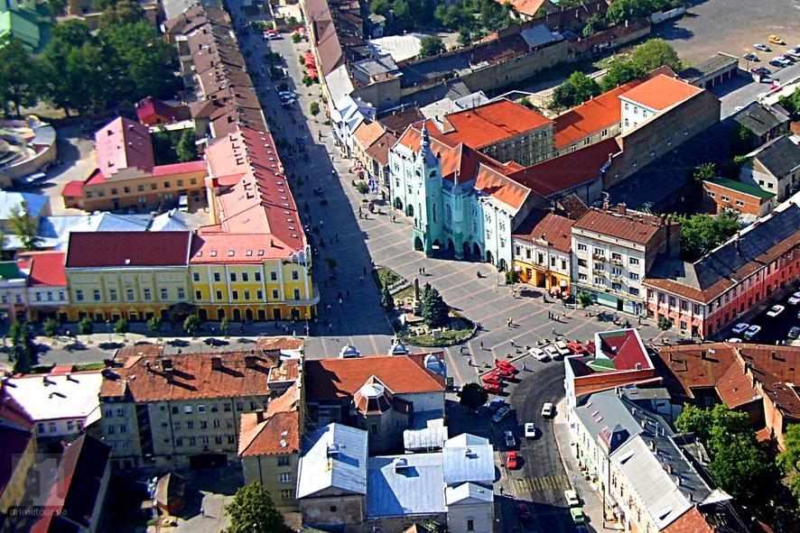 У Мукачеві планують перейменувати частини вулиць Пушкіна та площі Миру