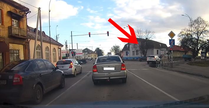 """""""Спецконтроль"""" зафіксував грубе порушення ПДР водієм автомобіля із дипломатичними номерами"""